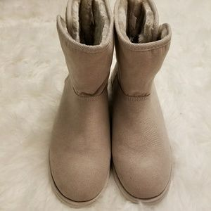 Cream Faux Fur Lined Boots